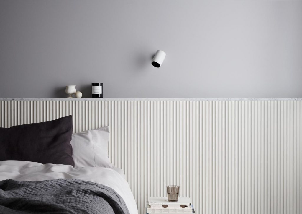 Surround Scallop 22.5 Dulux Natural White top wall Dulux Silkwort 3 1024x724 - Decorative Wall Panels – Liven up your space with Internal Lining Boards